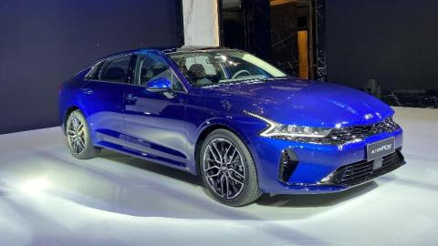 这部新的B级轿车,颜值可以打几分?